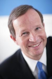 Dr. Christian Fulghum von der endogap-Klinik für Gelenkersatz im Interview zum Endoprothesenregister und zur Patientensicherheit ENDOINFO.de